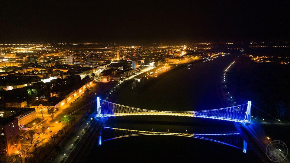 Hvala susjedi! Osijek obojio most u boje BiH i poslao poruku podrške!