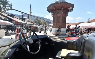 Novinari obišli krug u Ferdinandu – replici automobila u kojem je 1914. ispisana historija