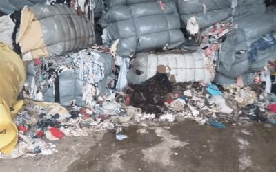 GRAĐANI OGORČENI: Šleperi uvezenog otpada u Drvaru i Grahovu. Aktivisti upozoravaju da će još smeća stići