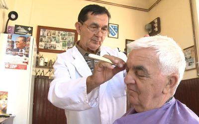 Tradicija stara 150 godina: U jedinoj pravoj brijačnici u Tuzli nema priče o politici (VIDEO)