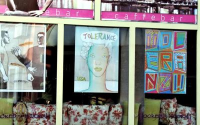 U Tuzli postavljena izložba plakata 'Tolerancija', autora Mirka Ilića