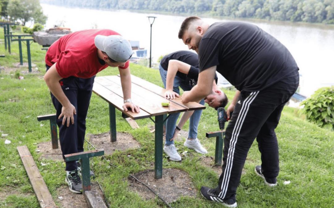 Primjer koji treba slijediti: Mladi iz Brčkog i Čelića ujedinjeni u želji da očuvaju okolinu i probude ekološku svijest građana #NEMALABAVO